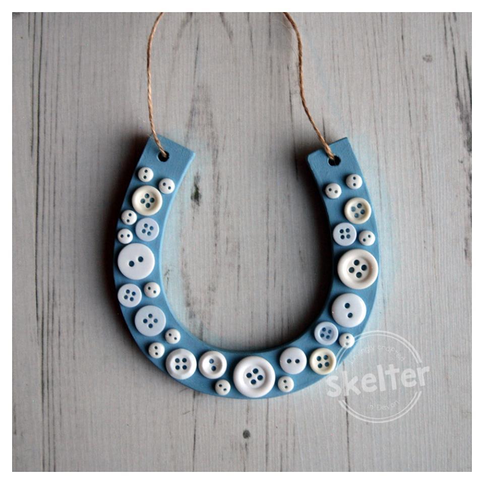 Small Hanging Button Horseshoe